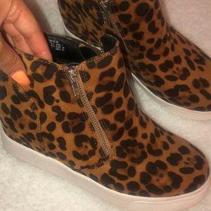 Time & tru cheeta animal print booties size 7